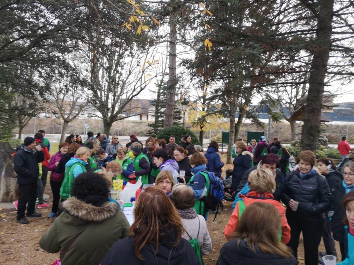 Unos 130 participantes, en la Marcha 'Amigos contra el cáncer' de Jaca
