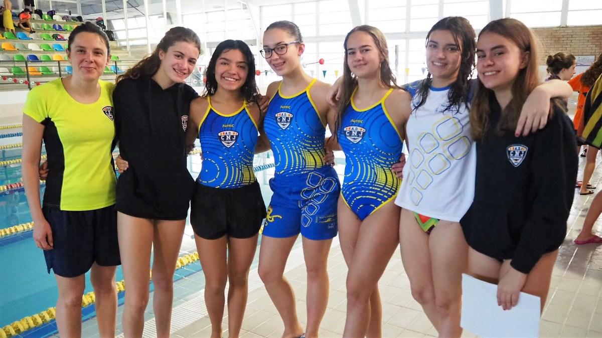 Cuatro podios para las deportistas del Club Natación Jaca