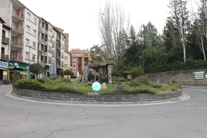 SABIÑÁNIGO. La localidad ha cerrado todos los espacios públicos para evitar la propagación del Covid-19. (FOTO: Rebeca Ruiz)