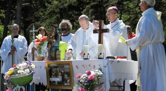 DEVOCIÓN. Romería de la Virgen de la Cueva 2019. (FOTO: Macu García-Casamayor)