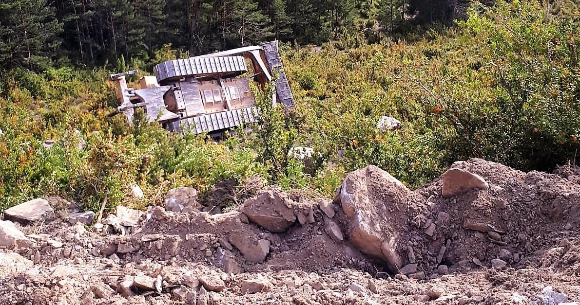 Fallece un hombre al volcar un bulldozer en Jasa (ACT.)