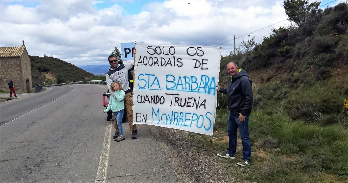 Bailo aprovecha el paso de la Vuelta a Aragón para reivindicar más atención a la carretera del puerto de Santa Bárbara