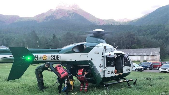 La Guardia Civil (en la imagen, en una foto de archivo) realiza 7 rescates en un intenso fin de semana en La Jacetania y el Alto Gállego. En total, en toda la provincia, han sido 10 intervenciones.