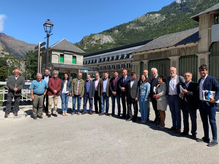MUNICIPIOS. Reunión de la Junta Directiva de la Asociación de Municipios del Camino de Santiago en Canfranc.