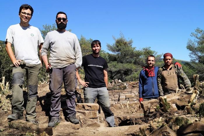 Parte del equipo que participó en la primera fase de las excavaciones de La Torre de Bescós de La Garcipollera, en 2019. (FOTO: Rebeca Ruiz)