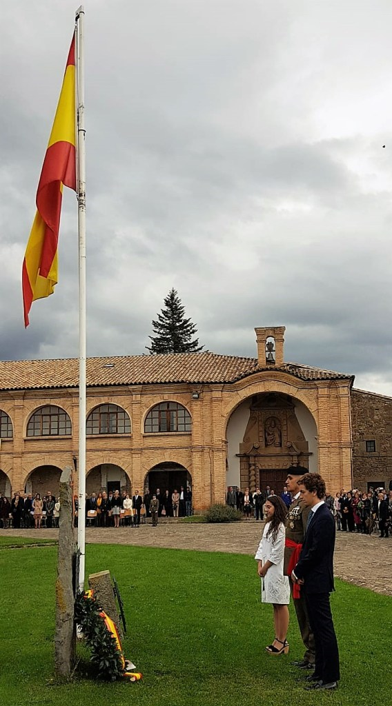 JURA DE BANDERA PARA CIVILES. Actos del Centenario del Galicia 64. (FOTO: Rebeca Ruiz)