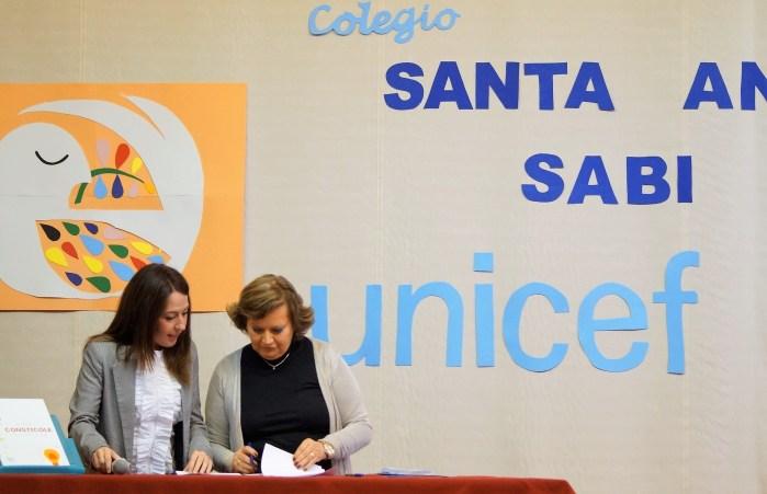 UNICEF. Elboj y Menal, firmando el convenio. (FOTO: Rebeca Ruiz)