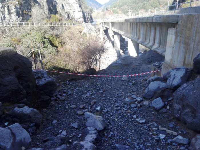 CAMINO DE SANTIAGO. El camino está interrumpido en el túnel entre Villanúa y Canfranc.