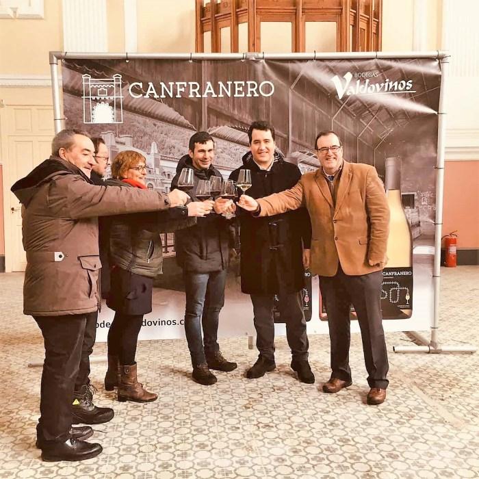 CANFRANERO. Un momento de la presentación de los vinos en la Estación Internacional de Canfranc.