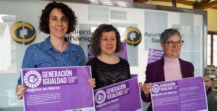 LA MUJER Y EL ARTE. De izda. a dcha., Elena Buil, Marisa Morillo María Jesús Acín, durante la presentación. (FOTO: Rebeca Ruiz)