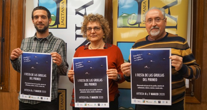 PRESENTACIÓN. De izquierda a derecha, Víctor Iguácel, Montse Castán y Miguel Solana, durante la puesta de largo de la Fiesta de las Grullas (FOTO: Rebeca Ruiz)