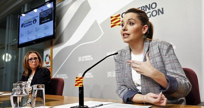 NUEVA WEB. Un momento de la presentación del nuevo portal sobre el coronavirus, en la comparecencia de las consejeras Maru Díaz (dcha.) y Mayte Pérez. (FOTO: Gobierno de Aragón/Luis Correas)