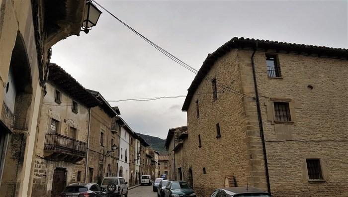 POBLACIÓN. El plan provincial va dirigido a los pueblos más pequeños. Una calle de Bailo, en una imagen de archivo. (FOTO: Rebeca Ruiz)