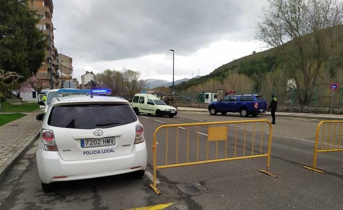 ESTADO DE ALARMA. Controles a la entrada de Sabiñánigo. (FOTO: Policía Local de Sabiñánigo)