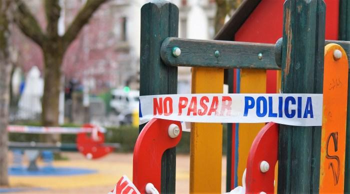 Jaca cierra de nuevo los parques infantiles como consecuencia de la situación que se vive en la ciudad por el avance del coronavirus. (FOTO: Rebeca Ruiz)