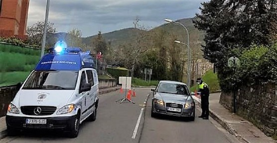 Controles de Policía Local en Jaca. (FOTO: Policía Local de Jaca)