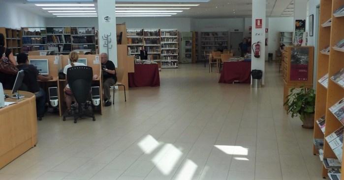 REAPERTURA. La Biblioteca de Sabiñánigo prepara su retorno a la actividad. La sala, en una imagen de archivo. (FOTO: Ayuntmiento de Sabiñánigo)