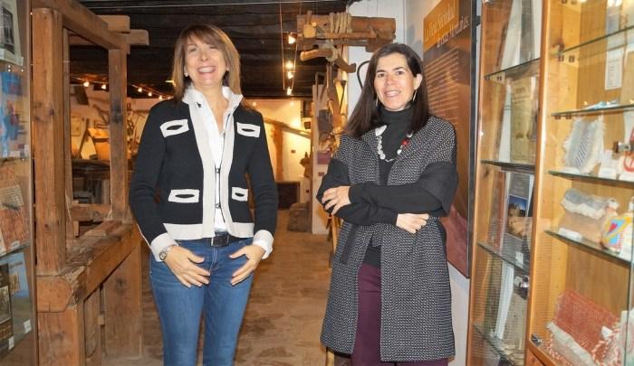 ESPACIOS CULTURALES. Berta Fernández, alcaldesa de Sabiñánigo, junto a Begoña Subías, diretora del Museo ángel Orensaz y Artes de Serrablo, en una imagen de archivo. (FOTO: Rebeca Ruiz)