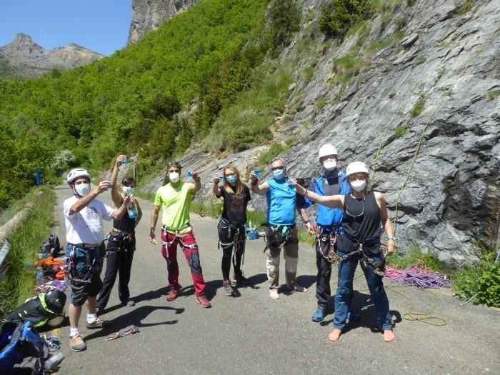 ESCARRILLA. La Sección de Montaña de Mayencos recupera su actividad con una jornada de formación en escalada en roca. (FOTO: Chema Tapia)