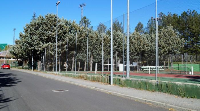 INSTALACIONES DEPORTIVAS. La zona municipal de La Corona recupera su actividad a partir de esta semana. (FOTO: Rebeca Ruiz)