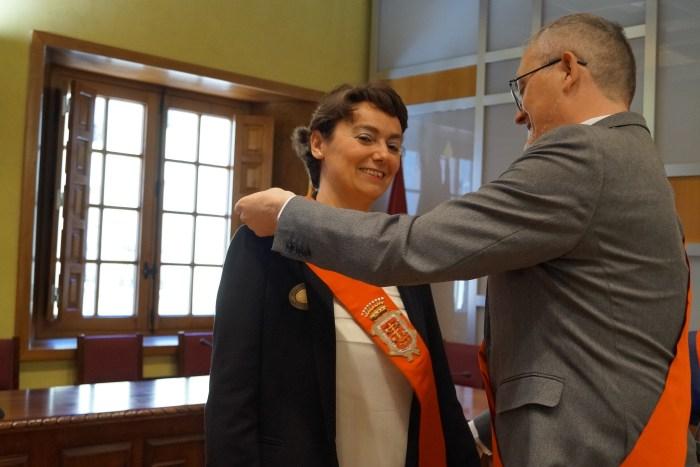 INVESTIDURA. Eva García Abós, durante su investidura, hace ahora un año. (FOTO: Rebeca Ruiz)