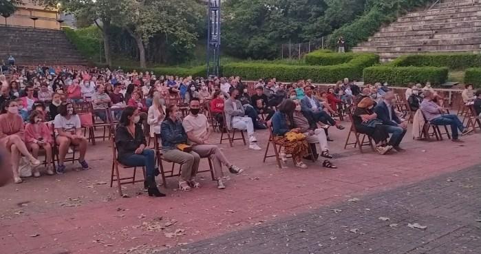 SAN LURE. Público en San Lure. (FOTO: Rebeca Ruiz)
