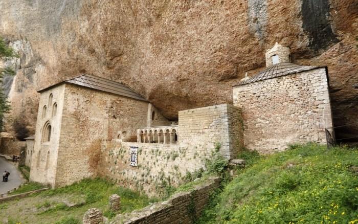 SAN JUAN DE LA PEÑA. Los Reyes visitarán este miércoles el monumento.