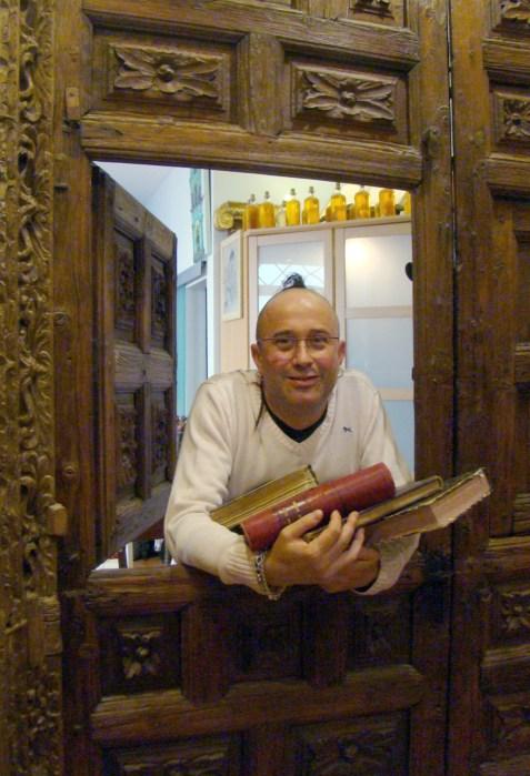 Paradissi Portae y Chus Gonzalo, órgano y canto gregoriano en la Catedral de Jaca.