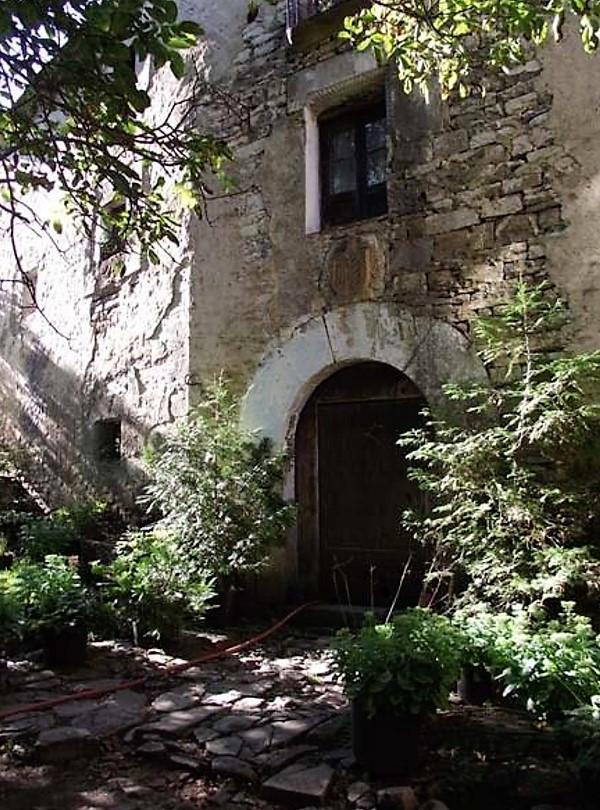 RUTA ARQUITECTÓNICA. Casa Mallau. Portada con escudo, Susín.
