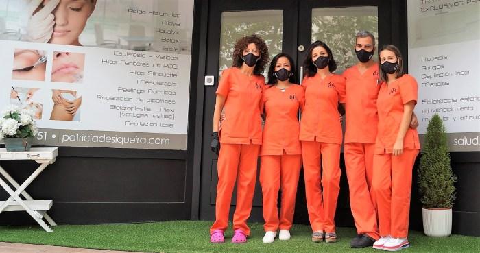 La Doctora Patricia de Siqueira y su equipo, en la Clínica de Jaca, donde su labor está avalada por años de buenos resultados. (FOTO: Rebeca Ruiz)