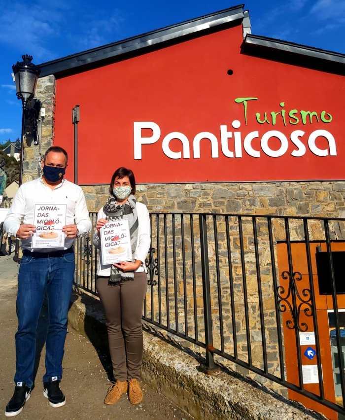 José Pueyo (concejal de Turismo) y Lorena López (Oficina de Turismo) presentan las Jornadas Micológicas de Panticosa.