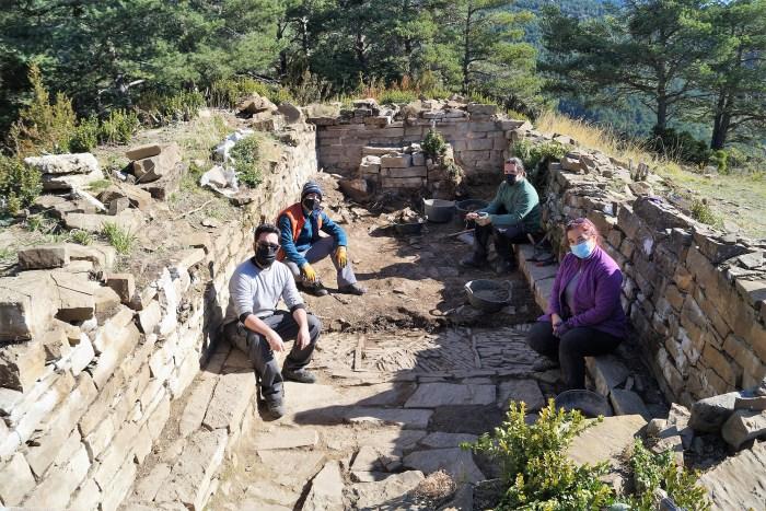 Nuevos hallazgos en las excavaciones del yacimiento de La Torre de Bescós de la Garcipollera. (FOTO: Rebeca Ruiz)