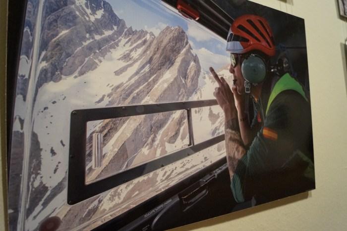 Una de las fotografías de Francés Torrontera que forman parte de la exposición sobre la Guardia Civil de montaña que se puede ver en la Ciudadela de Jaca. (FOTO: Rebeca Ruiz)