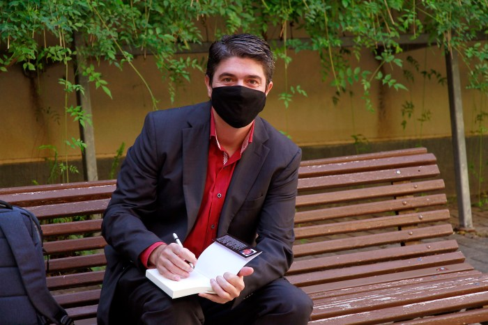 El escritor aragonés Sergio Solsona, durante el Congreso del Santo Grial. (FOTO: Kike Taberner)