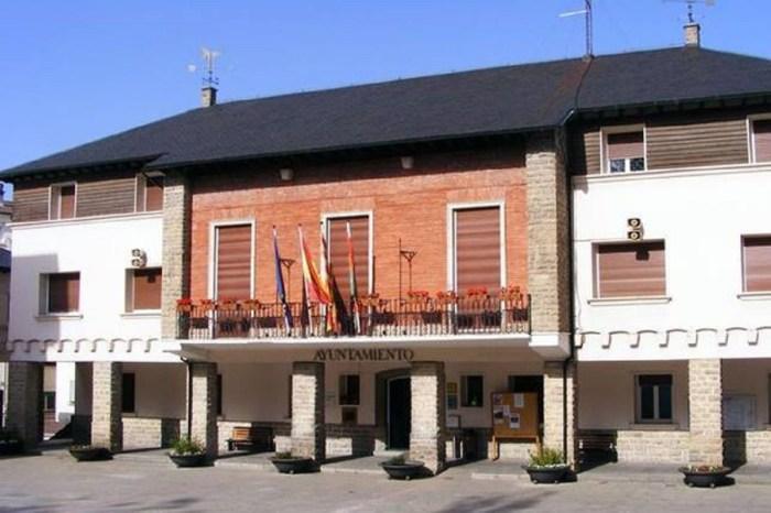 El Ayuntamiento de Sabiñánigo (en una imagen de archivo) regala a sus trabajadores bonos para gastar en el comercio local.