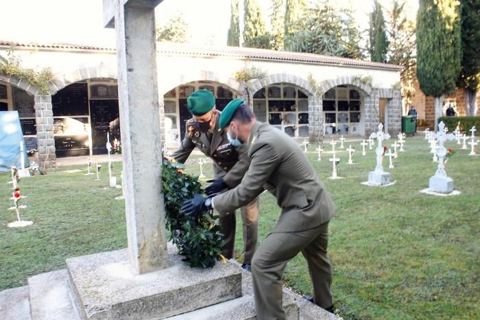 Acto homenaje a los que dieron su vida por España en Jaca. (FOTO: RICM Galicia 64)