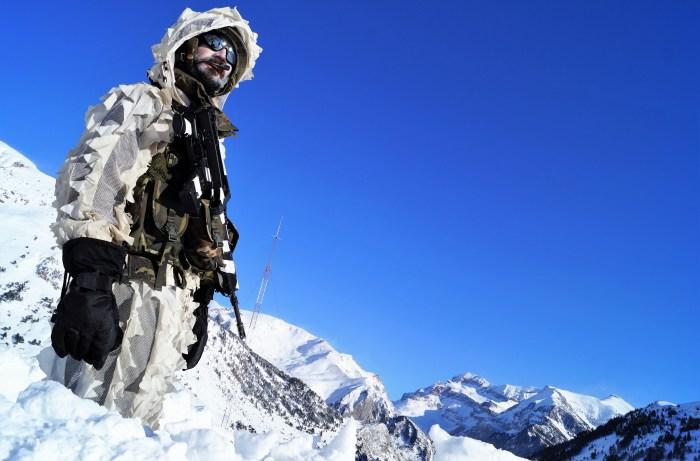Formación del Regimiento Galicia de Jaca en montaña invernal. (FOTO: Rebeca Ruiz)
