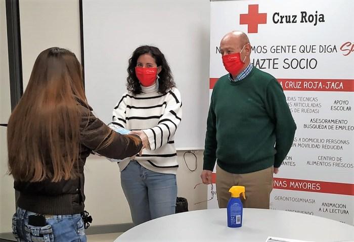 Reparto de mascarillas en Cruz Roja Jaca.