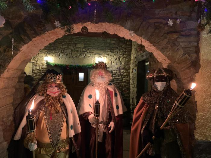 Los Reyes Magos llegan a La Jacetania y el Alto Gállego entre ilusión, nieve y mascarillas