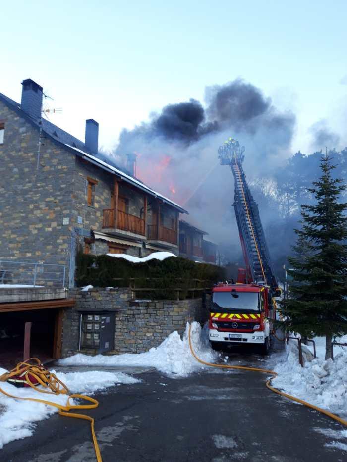 Incendio en Tramacastilla de Tena. (FOTO: DPH)