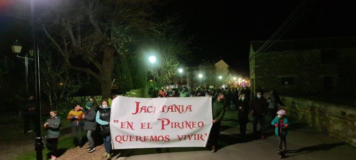 Manifestación en Villanúa (FOTO: Rebeca Ruiz)