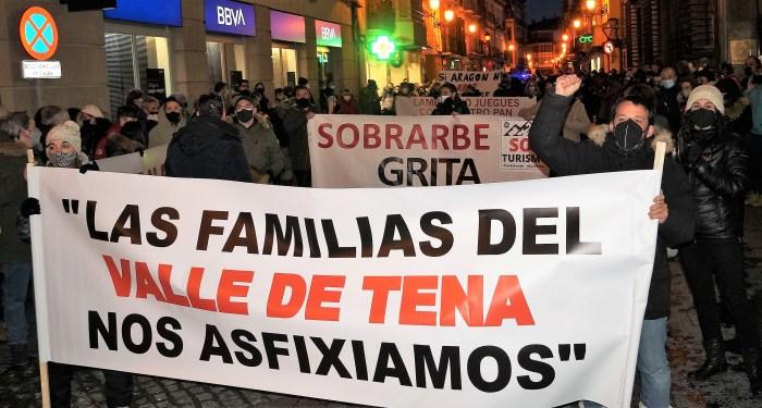 El Pirineo vuelve a unirse este viernes en una nueva movilización. Habrá concentraciones simultáneas en Jaca, Biescas, Castejón de Sos y Aínsa. (FOTO: Rebeca Ruiz)
