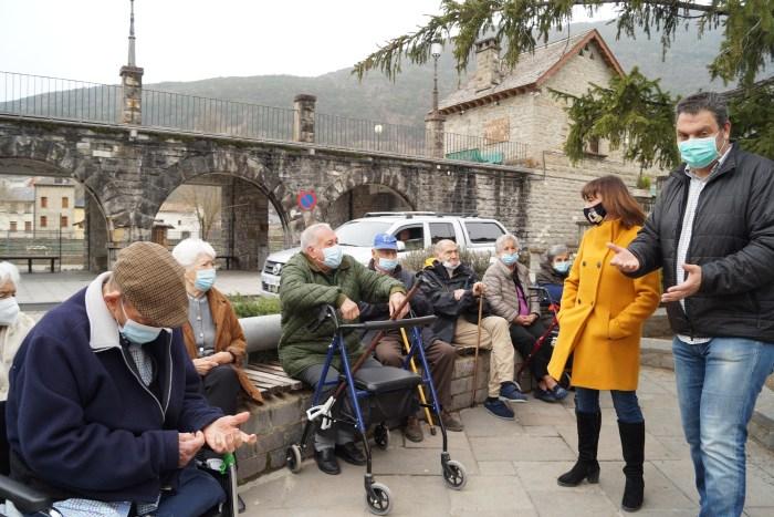 Entrañable homenaje de Biescas a sus mayores de La Conchada. (FOTO: Rebeca Ruiz)