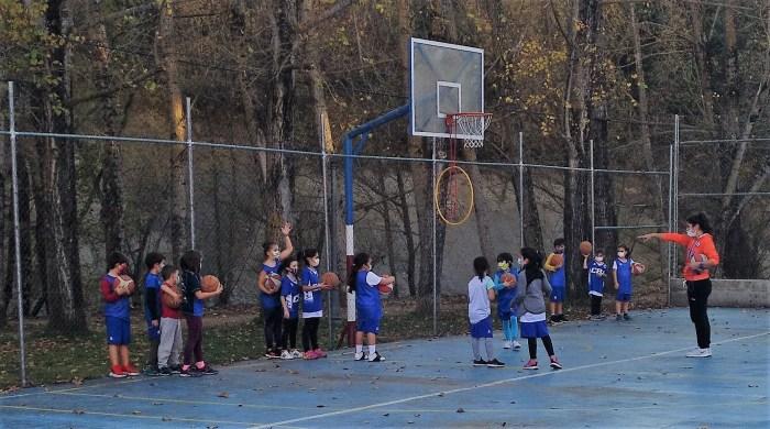 El Club Baloncesto Jaca retoma la competición en las categorías escolares. En la imagen, de archivo, una actividad del Club Baloncesto Jaca. (FOTO: CBJ)
