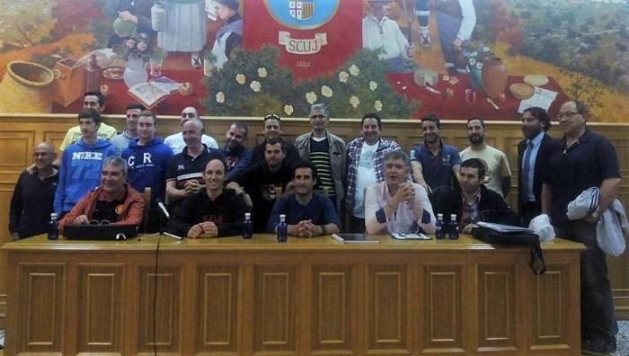La Junta Directiva del CF Jacetano, en una imagen de archivo.