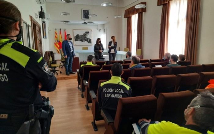 El 112 realiza un ensayo del sistema de aviso de emergencia química en Sabiñánigo. En la imagen, reunión de coordinación en Sabiñánigo. (FOTO: Gobierno de Aragón)