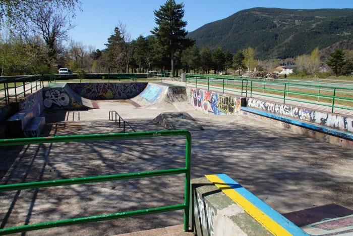 Pista de skate de Biescas. (FOTO: Rebeca Ruiz)