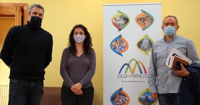 De izquierda a derecha, Mur, Climente y Acín, tras la presentación del Día del Libro. (FOTO: Rebeca Ruiz)