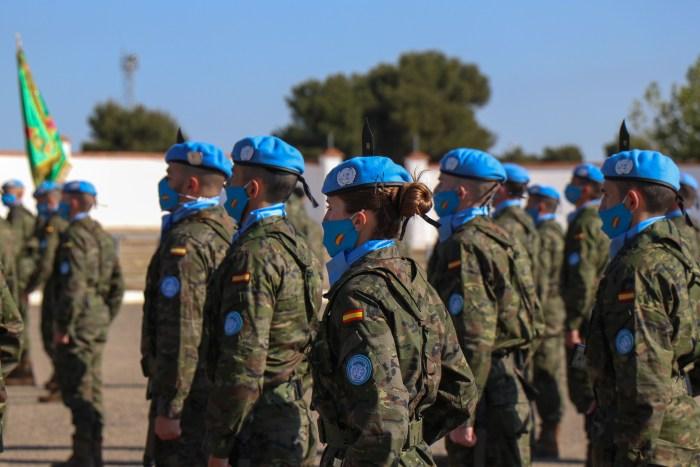 Despedida del contingente que desplegará en el Líbano, donde participan 200 militares de Jaca.