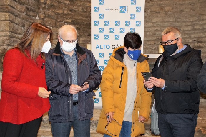 De izda. a dcha., Berta Fernández, José Ignacio López Susín, Lourdes Arruebo y Santiago Cabello. (FOTO: Rebeca Ruiz)